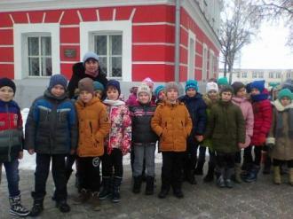 http://glukhiv-zosh6.sumy.sch.in.ua/files2/images/den_sobornost/P1234839.JPG